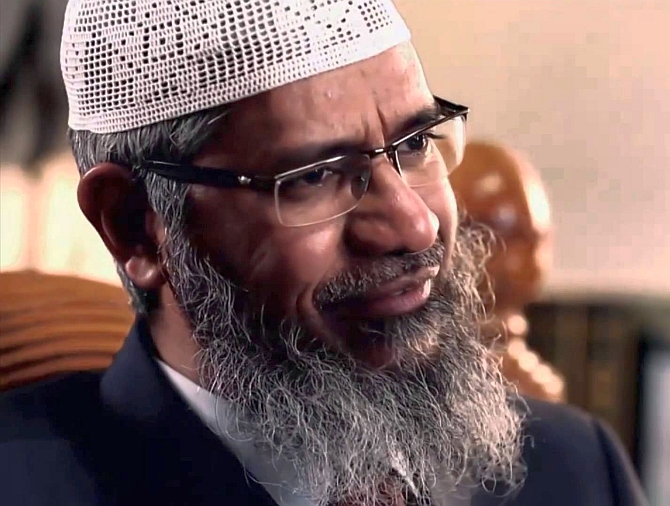 India News - Latest World & Political News - Current News Headlines in India - Zakir Naik responds to ED summons, says ready to give statement