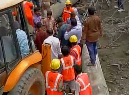 India News - Latest World & Political News - Current News Headlines in India - Hyderabad: 2 killed, several injured in building collapse at Film Nagar