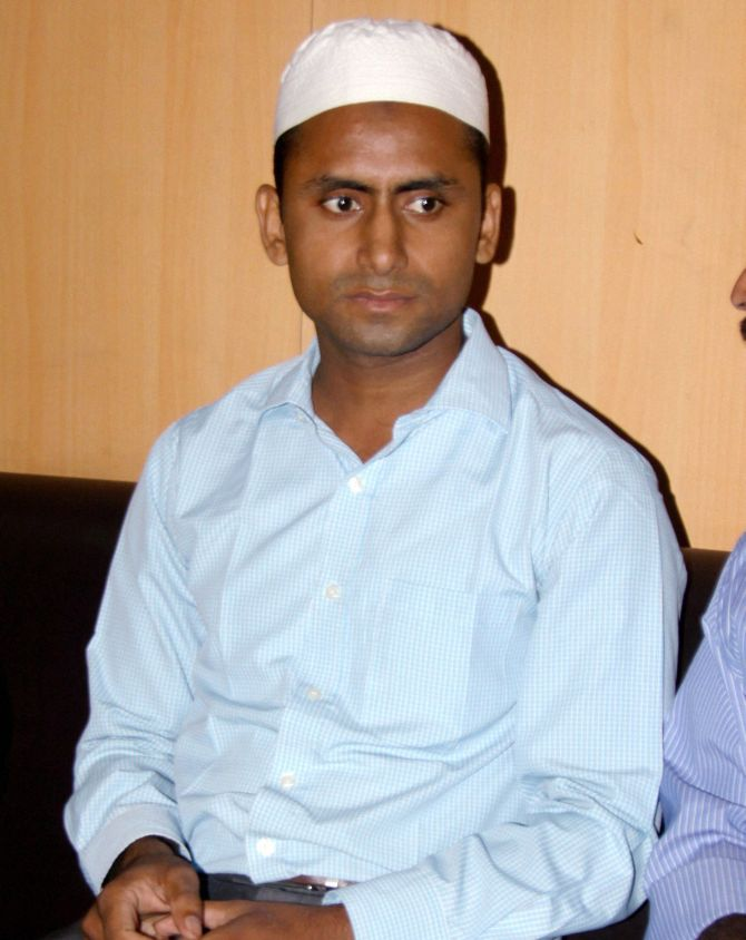 India News - Latest World & Political News - Current News Headlines in India - Dadri lynching: Akhlaq's family to move Allahabad HC against FIR