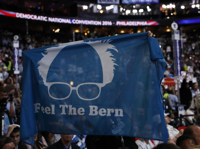 India News - Latest World & Political News - Current News Headlines in India - Democrats apologise to Bernie Sanders for 'inexcusable remarks' in emails