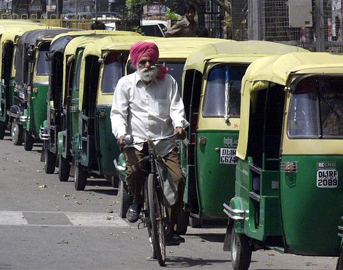 India News - Latest World & Political News - Current News Headlines in India - Auto, taxi strike in Delhi hits commuters hard
