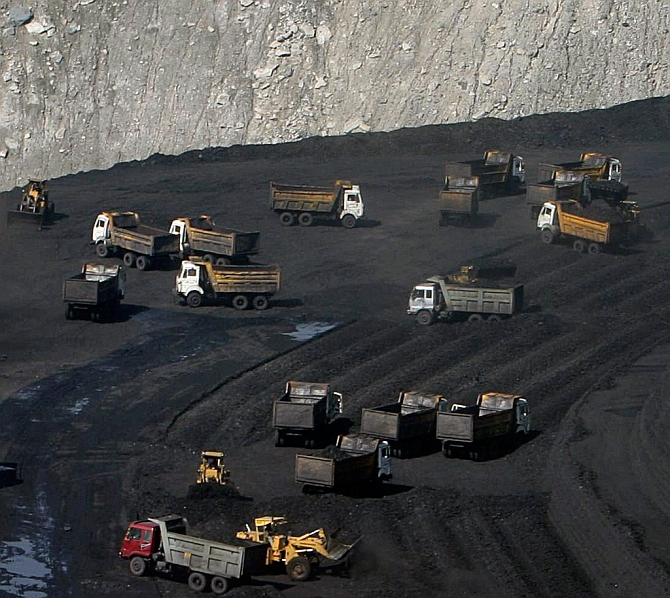 India News - Latest World & Political News - Current News Headlines in India - UPA redux: CAG now picks holes in Modi Sarkar's coal mines e-auction