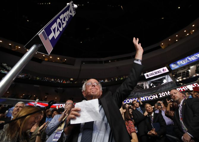 India News - Latest World & Political News - Current News Headlines in India - In move for unity, Sanders asks convention to nominate Clinton