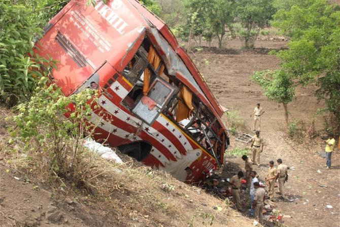 17 dead in accident near Panvel on Mumbai-Pune Expressway