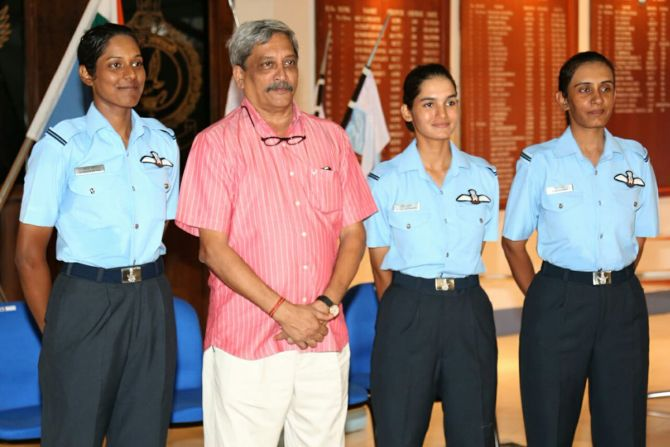 Avani Chaturvedi, Bhawana Kanth and Mohana Singh, the IAF's first women fighter pilots, with Defence Minister Manohar Parrikar