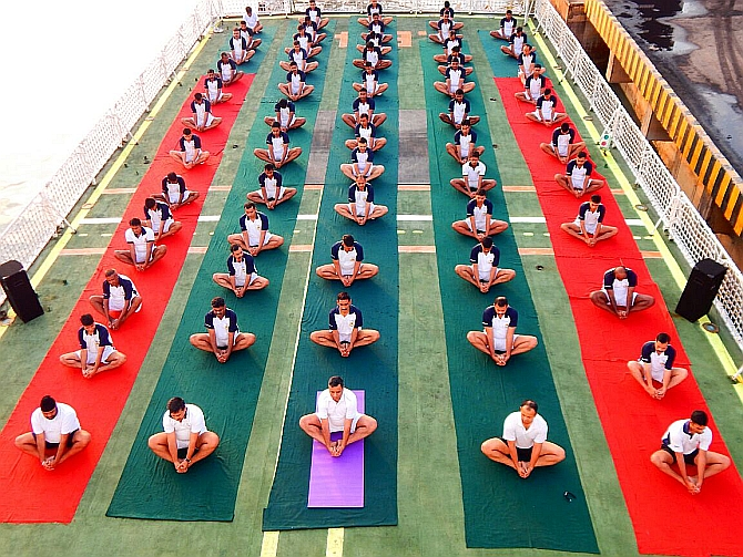 India News - Latest World & Political News - Current News Headlines in India - PIX: Yoga on high seas and difficult terrain