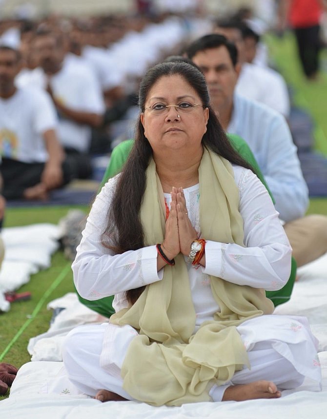 India News - Latest World & Political News - Current News Headlines in India - Yoga Day: Look who's leading by example