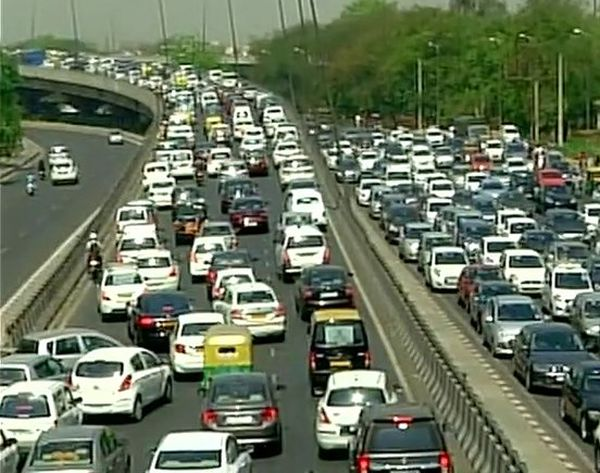 India News - Latest World & Political News - Current News Headlines in India - Traffic chaos in Delhi as protesting cabbies block major roads