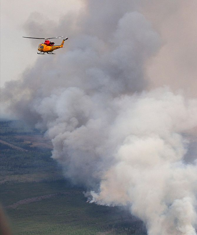 India News - Latest World & Political News - Current News Headlines in India - Canadian wildfires grow tenfold; rescuers pray for rain