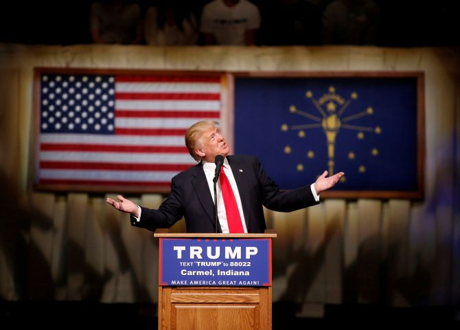 India News - Latest World & Political News - Current News Headlines in India - Trump chipping away at Hillary's lead, says new poll
