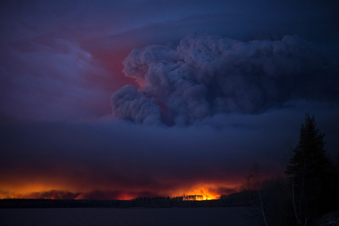 India News - Latest World & Political News - Current News Headlines in India - Canada's 'out of control' fire doubles in size