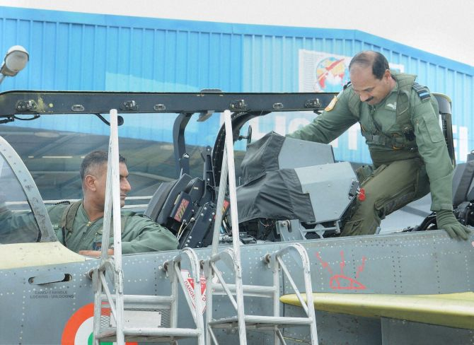India News - Latest World & Political News - Current News Headlines in India - IAF chief Raha makes history, takes to the skies in a Tejas
