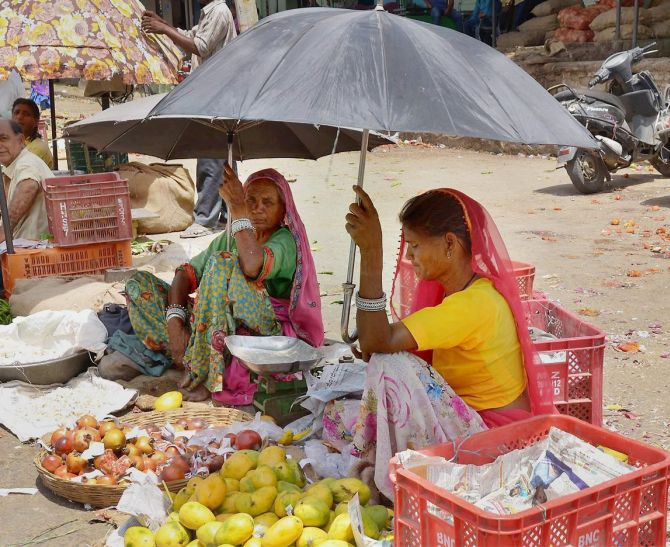 India News - Latest World & Political News - Current News Headlines in India - Ahmedabad sizzles at 48 degrees, breaks 100-year record