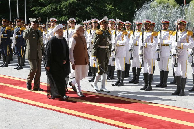 Prime Minister Narendra Modi with Iranian President Hassan Rouhani