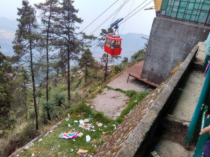 The only place that you could see litter was near the cable car