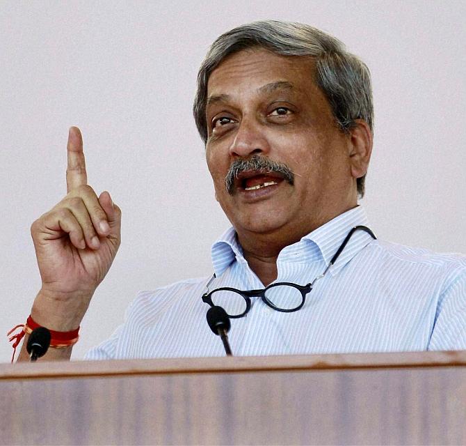 Parrikar keeps speculations alive over Goa return