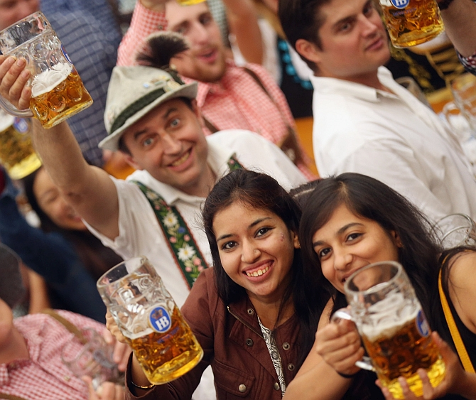 India News - Latest World & Political News - Current News Headlines in India - PHOTOS: Smashing fun at the world's largest beer party