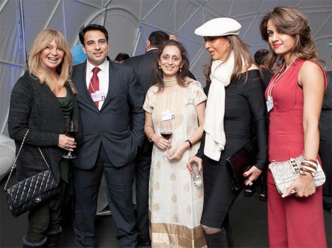 Goldie Hawn, Pallavi Kotak, Parmeshwar Godrej and Natasha Poonawala with Abhinav Kumar, CMO, TCS Europe
