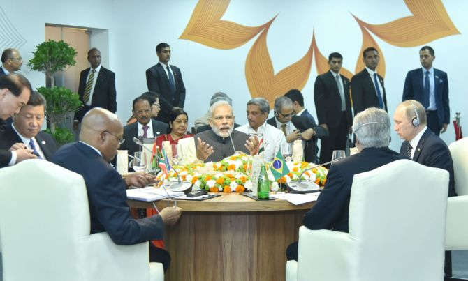 Prime Minister Narendra Modi with the leaders of Brazil, China, Russia and South Africa at the BRICS summit in Goa, October 16, 2016.