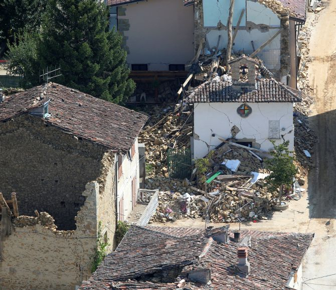 India News - Latest World & Political News - Current News Headlines in India - Terror in Italy as 2 earthquakes strike within 2 hours