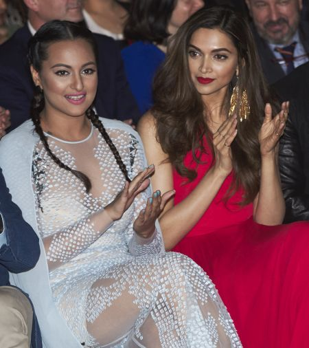 India News - Latest World & Political News - Current News Headlines in India - Can you believe it? Deepika and Sonakshi are 'married'