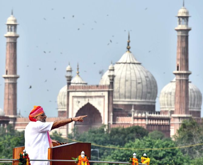 Narendra Modi speaking at the Red Fort on August 15