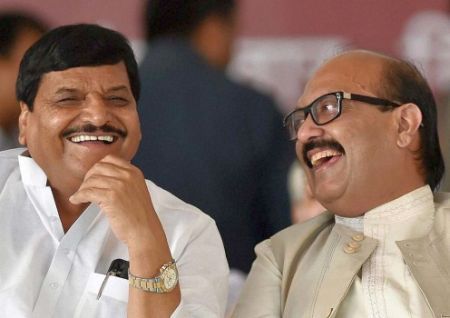 India News - Latest World & Political News - Current News Headlines in India - You're not even dust of Amar Singh's feet: Shivpal to Akhilesh