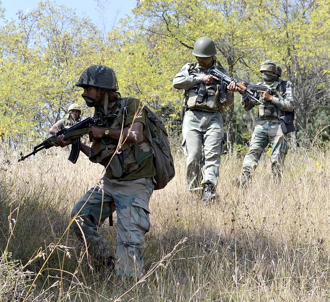 Soldiers conduct combing operations in Kashmir after the Uri attack, September 2016. Photograph: Umar Ganie
