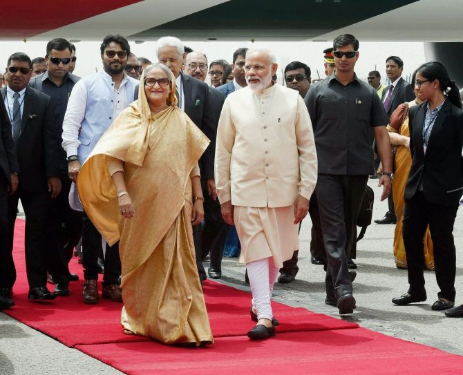 Prime Minister Narendra Modi welcomes Bangladesh Prime Minister Sheikh Hasina at Palam airport, April 7, 2017. Photograph: Atul Yadav/PTI Photo