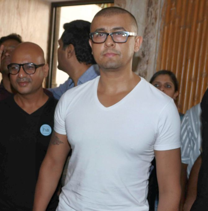 India News - Latest World & Political News - Current News Headlines in India - Hurt Sonu Nigam quits Twitter after singer Abhijeet's account was suspended