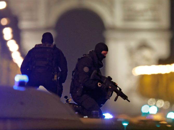 India News - Latest World & Political News - Current News Headlines in India - Islamic State behind Paris attack which kills 1 cop, injures 2 others