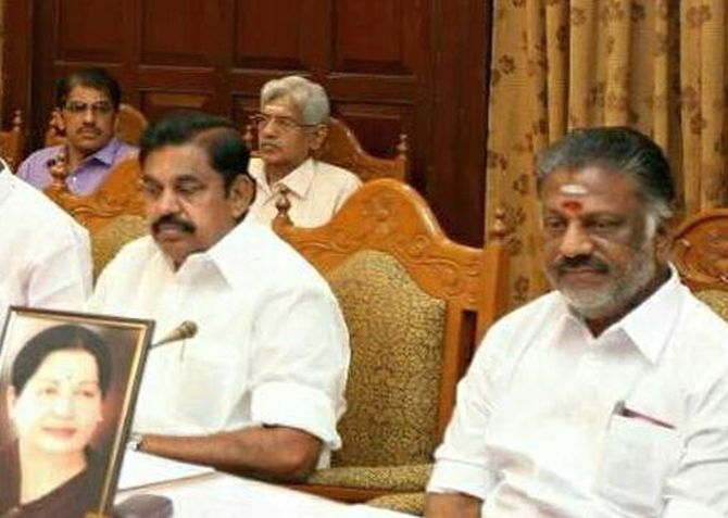 India News - Latest World & Political News - Current News Headlines in India - EPS, OPS factions form panels to hold AIADMK merger talks