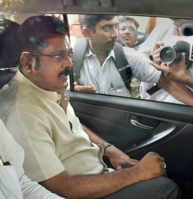 India News - Latest World & Political News - Current News Headlines in India - Day after 7-hour questioning, Dinakaran quizzed again in bribery case