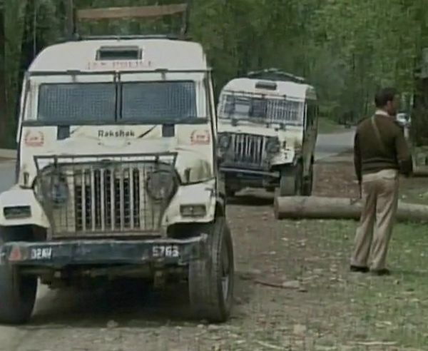 India News - Latest World & Political News - Current News Headlines in India - PDP leader shot dead by terrorists in Pulwama