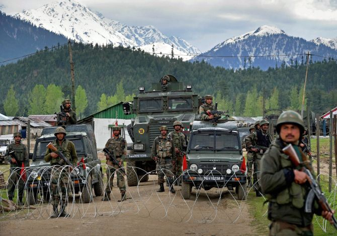 India News - Latest World & Political News - Current News Headlines in India - Captain among 3 killed in attack on army camp in Kashmir