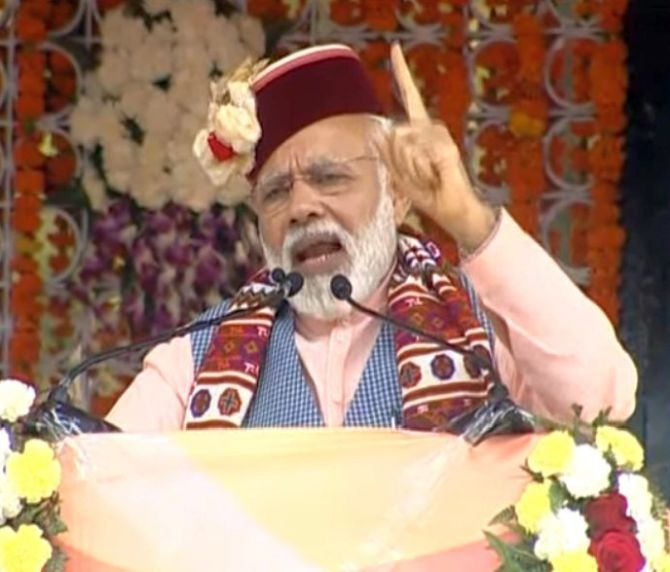 India News - Latest World & Political News - Current News Headlines in India - Modi sounds poll bugle in Himachal, says follow UP, U'khand and Delhi