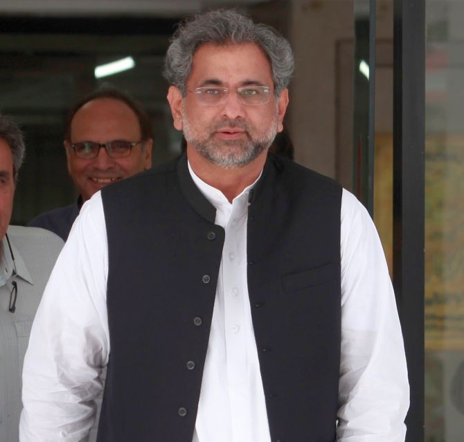 India News - Latest World & Political News - Current News Headlines in India - Ex-Pak PM Abbasi among 1,500 booked for taking out rally in Sharif's support
