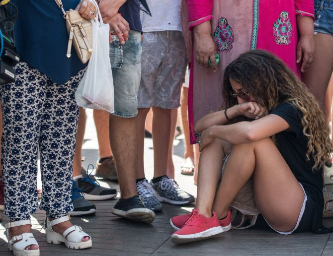 India News - Latest World & Political News - Current News Headlines in India - 'We are not afraid':  Barcelona comes out to remember those killed in attack
