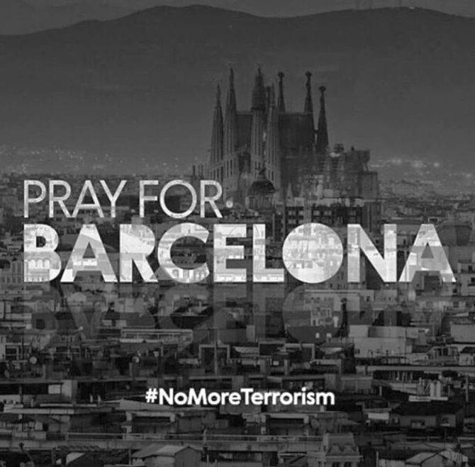 India News - Latest World & Political News - Current News Headlines in India - PHOTOS: The world comes together to 'Pray For Barcelona'