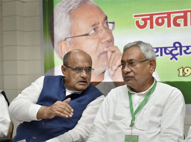 India News - Latest World & Political News - Current News Headlines in India - Nitish-led JD-U back in NDA; blames Congress for alliance failure