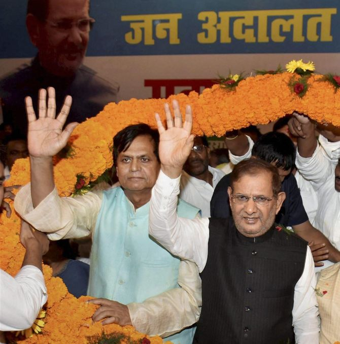 India News - Latest World & Political News - Current News Headlines in India - Sharad Yadav holds parallel meet, says Grand Alliance intact