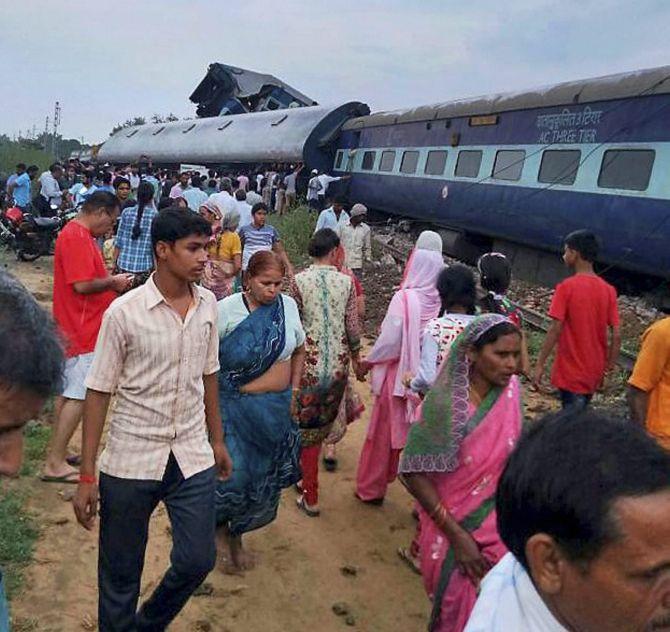 Railway announces Rs 3.5 lakh ex gratia for kin of deceased