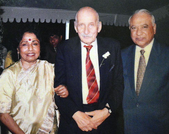 Dr and Mrs Shinde with Field Marshal Manekshaw