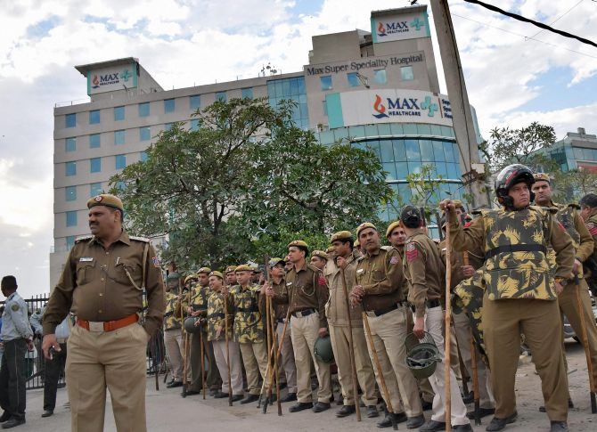 India News - Latest World & Political News - Current News Headlines in India - Max Hospital's licence cancellation leaves patients in disarray