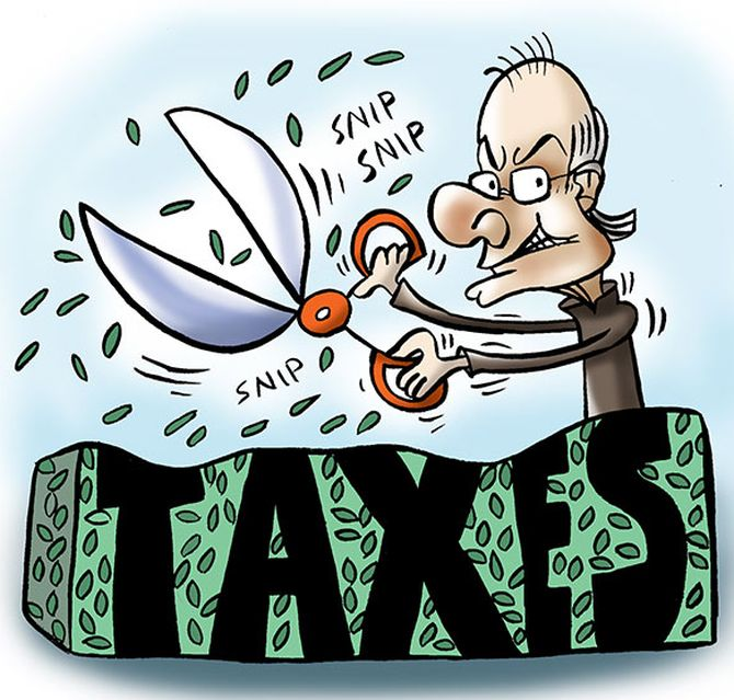 Tax reduced to 5% on income of Rs 2.5 lakh-5 lakh