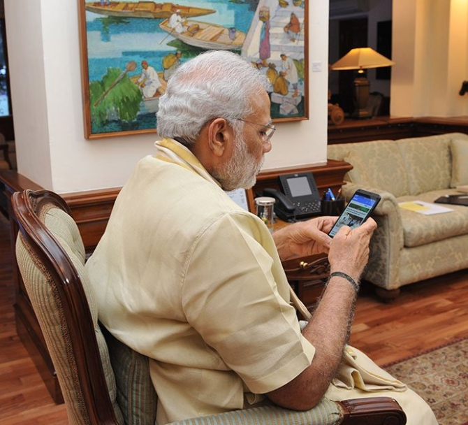 Modi likes peeping into bathrooms, reading janampatris: Rahul