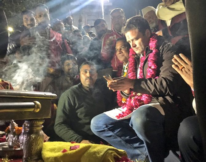 Uttarakhand polls: Rahul performs Ganga Aarti at Har Ki Pauri