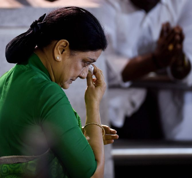 India News - Latest World & Political News - Current News Headlines in India - In Bengaluru prison, Sasikala has 'Cyanide Mallika' as her next door inmate