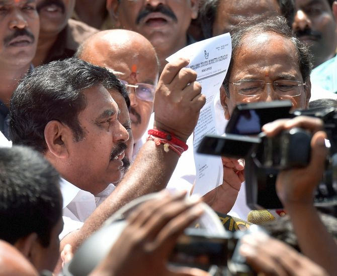 India News - Latest World & Political News - Current News Headlines in India - Palaniswami sworn in as TN CM; faces trust vote on Feb 18