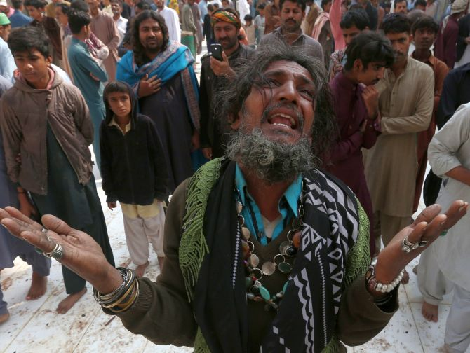 India News - Latest World & Political News - Current News Headlines in India - Pakistan kills 100 terrorists in crackdown after shrine blast